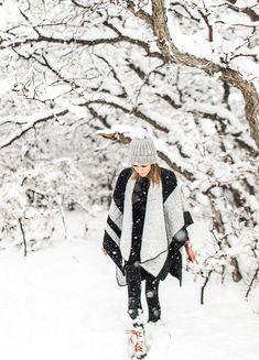 Let it Snow (Hello Fashion) Hello Fashion Blog, Grey Turtleneck, Turtleneck Dress, Stylish Winter Coats, Winter Fashion Casual, Under Dress, Winter Looks, Winter Style, Photoshoot Inspiration