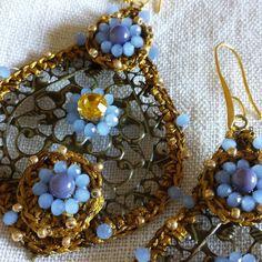 Orecchini e bracciali all'uncinetto, gioielli italiani fatti a mano