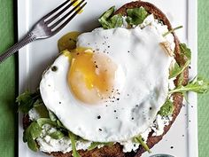 7 Great Egg Sandwich Recipes for Everyone: Egg and pepper breakfast burrito, Egg-studffed breakfast calzone, Ham and egg salad sandwhich, A Lazy Fried egg and cheese sandwhich, Smoked salmon and egg sandwich, Avacado Spinach egg salad, Egg sandwhich with Asparagus and prosciutto