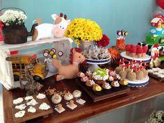 Resultado de imagem para festa fazendinha constance zahn Farm Birthday, Birthday Cake, Birthday Ideas, Farm Party, Desserts, Food, Alondra, 1 Year, Aurora