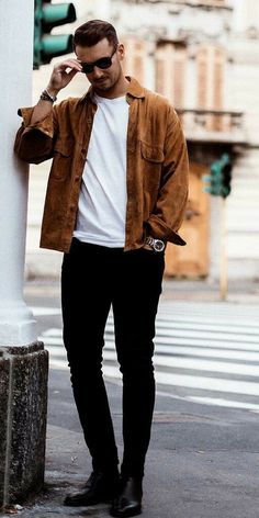 10 Insanely Cool Outfits For Guys Looking for some cool outfit ideas? look no further. We've curated 10 insanely cool outfit ideas you can try now. From a simple shirt+chino outfit to double de Casual Wear For Men, Casual Fall Outfits, Simple Outfits, Mode Man, Best Street Style, Classy Suits, Mens Fashion Blog, Suit Fashion, Fashion Menswear