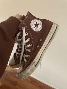 Dr Shoes, Swag Shoes, Hype Shoes, Me Too Shoes, Converse Marron, Brown Converse, High Top Converse, Converse Haute, Mode Converse