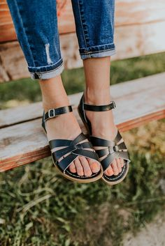Our best-selling Salt Water Sandals are back, just in time to become your new go-to summer sandal! Shop our best sandals on our online boutique today! Vans Old Skool, Loose Fit, Dries Van Noten, Minimalist Shoes, Minimalist Fashion, Winter Mode, Strap Sandals, Shoes Sandals, Shoes Sneakers