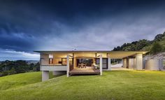 Foxground House on the south coast of NSW by Fergus Scott Architects Street House, Residential Architecture, Interior Architecture, Australian Architecture, Minimalist Architecture, Commercial Architecture, Concrete Houses, Precast Concrete, Roof Styles