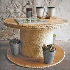 40 ideas for upcycling furniture and home accessories diy coffee table made of wood cable drum rope The post 40 ideas for upcycling furniture and home accessories appeared first on Garden ideas - Upcycled Home Decor Diy Cable Spool Table, Cable Drum Table, Wood Spool Tables, Wooden Cable Spools, Drum Coffee Table, Coffee Table Furniture, Cable Spool Ideas, Upcycled Home Decor, Upcycled Furniture