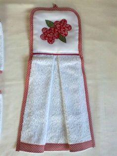 Toalha em tecido atoalhado, com aplicação em patch aplique, viés em toda volta e barrado combinando com a aplicação, o cliente escolhe a cor e a aplicação. R$ 13,20