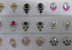 Resultado de imagem para joias de unhas La Belle Nails, Cute Nails, Pretty Nails, Nails Design With Rhinestones, Nail Jewels, Gem Nails, Rhinestone Art, Nail Tutorials, Diamond Design