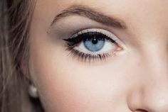 Perfect eye makeup. Not too much makes blue eyes pop.