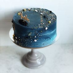 Yoghurt cake with Companion - HQ Recipes Pretty Cakes, Cute Cakes, Beautiful Cakes, Amazing Cakes, Bolo Lego, Galaxy Cake, Bolo Cake, Star Cakes, Buttercream Cake