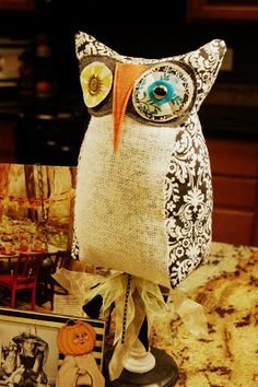 "The ""Who's Who"" of fall decor.  DIY Pedestal Owl Project from Studio 5."