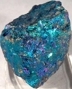 Mittlere Bornit - Chalkopyrit - Peacock-Erz