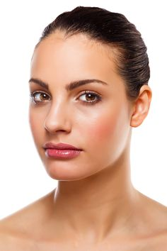 ¿Quieres ser Maquilladora? Aquí tienes un curso gratuíto http://www.eprobellezamoda.com/curso_a_distancia/form_epro_maquillaje_google_F30.html  ;)