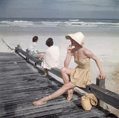 Beyond the Sea – Fabulous Vintage Beach Images from Vogue from between the 1940s and 1960s