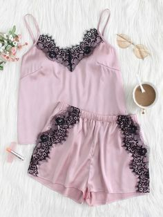 To find out about the Eyelash Lace Applique Cami Top & Shorts PJ Set at SHEIN, part of our latest Night Sets ready to shop online today! Looks Jeans, Cute Pajamas, Shopping Near Me, Lingerie Outfits, Night Outfits, Outfit Night, Pj Sets, Cami Tops, Lace Applique
