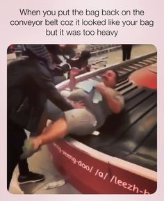 memes passive aggressive funny people I travel lightly🤣😂 9gag Funny, Funny Shit, Funny Video Memes, Funny Relatable Memes, Haha Funny, Funny Posts, Funny Quotes, Hilarious, Videos Funny