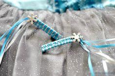We're making super cute FROZEN inspired ribbon barrettes! Ribbon Barrettes, Ribbon Hair, Cute Frozen, Frozen Party, Frozen Birthday, Fancy Hairstyles, Hairdos, Elsa, Boutique Bows