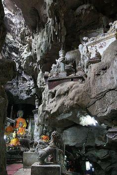 Tham Chiang Dao Caverns - Chiang Mai, Thailand