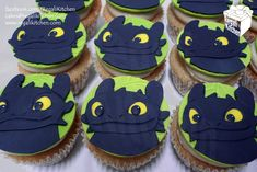 How to Train Your Dragon Cupcakes_Night Fury Cupcake_Toothless Cupcakes_HTTYD_Black Dragon_Cartoon_Movie_TV