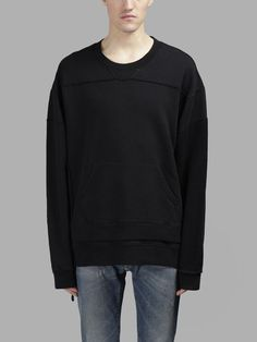 MAISON MARTIN MARGIELA Maison Margiela Men'S Black Oversize Sweater. #maisonmartinmargiela #cloth #sweaters