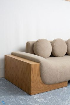 Want to add a dash of fun to your living room project? Select a playful sofa design Industrial Design Furniture, Home Decor Furniture, Sofa Furniture, Furniture Design, Reclaimed Furniture, Industrial Lamps, Furniture Movers, Pipe Furniture, Furniture Vintage