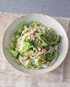 Rice Noodles with Broccoli-Almond Pesto