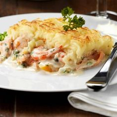 TRY this excellent recipe to dish up a classic fish pie. Dutch Recipes, Fish Recipes, Vegetable Recipes, Seafood Recipes, Vegetarian Recipes, Cooking Recipes, Healthy Recipes, Belgian Food, Good Food