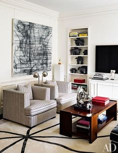 London townhouse decorated by Francois Catroux. Douglas Friedman photo in Architectural Digest.