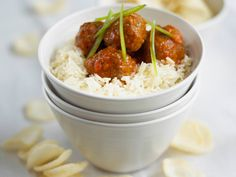 Sweet and sour meatballs is my mother's special recipe. These sweet and sour meatballs are delicious when served on a bed of rice. Sweet N Sour Meatball Recipe, Sweet And Sour Meatballs, Meatball Recipes, Pork Recipes, Baby Food Recipes, Snack Recipes, Cooking Recipes, Toddler Recipes, Snacks