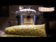 In this video, Mike and Becky show you how to can two bushels of purple hull peas in an All American Pressure Canner. Purple Hull Peas Recipe, Canning Peas, Pressure Canning, Canning Recipes, Cooker, American, Food, Youtube, Essen