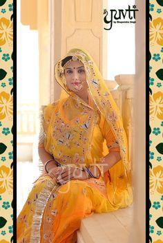 Shop exclusive Rajputi poshak designs & Rajputi poshak online or visit our Rajputi poshak shop in Jaipur. Rajputi Dress, Chiffon Saree, Indian Attire, Print Chiffon, Photo Poses, Lehenga, Fashion Outfits, Fashion Clothes, Sari