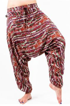 The Savannah Flair! 100% cotton harem pant that packs into its pocket. The Savannah is your travel ready companion, wearable with anything from heels to sandals to even barefoot. Great wrinkly or pres