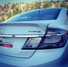 She keeps the air clean and looks good doing it… <3  #Honda #Civic #Hybrid #SweetSixteen #BC #White #GoGreen #Beauty