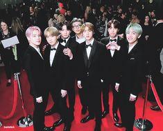 BTS at the Grammys Love this  Seokjin, Kim Namjoon, Jung Hoseok, Jimin, Bts Bangtan Boy, Taehyung, Foto Bts, K Pop, Park Jimim