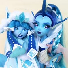 Feeling blue? Glaceon and Vaporeon Dolls, Eeveelution series by Dollightful