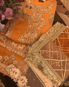 Bridal Dupatta, Bridal Mehndi Dresses, Asian Wedding Dress, Wedding Dresses For Girls, Party Wear Dresses, Shadi Dresses, Pakistani Formal Dresses, Pakistani Wedding Outfits, Pakistani Dress Design