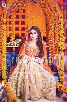 Latest Trendy Mehndi Dresses for Pakistani Brides Yr 19 Pakistani Mehndi Dress, Bridal Mehndi Dresses, Pakistani Wedding Outfits, Pakistani Bridal Dresses, Pakistani Wedding Dresses, Pakistani Dress Design, Bridal Outfits, Bridal Lehenga, Shadi Dresses