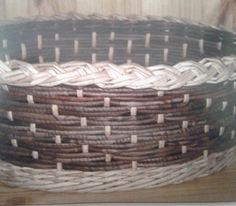 Návody - VZORY PLETENÍ :: Pletení z papíru Hanča Čápule Paper Weaving, Loom Weaving, Wicker Baskets, Woven Baskets, Lucet, Paper Basket, Laundry Basket, Basket Weaving, Creations