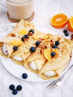 Healthy oat pancakes-Hälsosamma havrepannkakor even if it& Monday today it feels more like a … - Healthy Oat Pancakes, Healthy Snacks, I Love Food, Good Food, Breakfast Recipes, Dessert Recipes, Pancake Breakfast, English Food, Food Inspiration