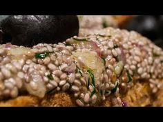 Tartine cu icre vegan - YouTube Risotto, Grains, Lime, Ethnic Recipes, Youtube, Food, Lima, Meal, Essen