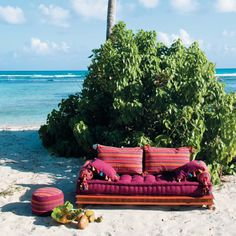 Ohhh it's that lovely Bali lounge again! Bright, boho and comfy - I'd love to relax on this by the beach.