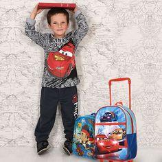 Et vous, votre garçon est plutôt #Cars ou plutôt  #Jakeetlespirates ? En tout cas, Jake et Flash McQueen te conseille d'aller faire un tour sur www.tous-les-heros.com