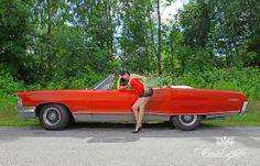 Die KW 25 aus dem GIRLS LEGENDARY US-CARS 2014 WOCHENKALENDER // Foto: www.carloskella.de // Verlag: SWAY Books // Model: Zombierella (Messer Chups) // H MU: Alexandra Keisef // Dress: Inner Sanctum // Danke an: Susanna Ruppelt, Max Kuhl // Preis Kalender: EUR 29,90 (inklusive MwSt., zuzügl. Versandkosten) // Bestellung/Order: www.sway-books.de (Deutschland) // www.ars-vivendi.de (other countries)