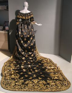 Court garb attributed to Queen Maria II of Portugal, ca. 1850. | In the Swan's Shadow