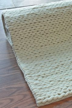 """""""Thick, chunky loops of soft wool"""" --Love My Rugs, white wool rug. :]"""