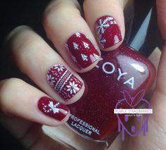 Christmas Nail Art Ideas ☆  #ChristmasNails #Christmas #Nails #Nailideas #nailsofpinterest #SkinDNA #skindnapretoria