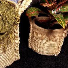 Basket Crafts, Jute Crafts, Diy Resin Crafts, Cardboard Crafts, Handmade Crafts, Diy Crafts For Home Decor, Diy Craft Projects, Plant Basket, Rope Basket