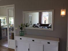 Landelijk dressoir, spiegel, en suite deuren