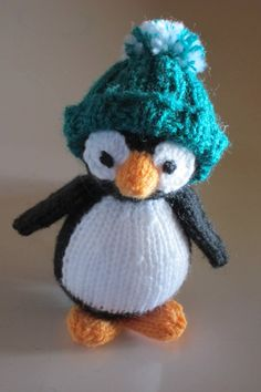 Knitted Little Penguin Pattern from  http://www.ravelry.com/patterns/library/christmas-tree-keepsakes