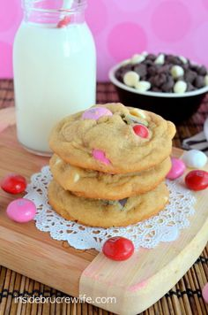 M&M Peanut Butter Pudding Cookies - soft peanut butter cookies full of chocolate chips and M&M candies