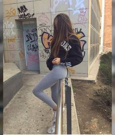 Goals Videos Bff Ulzzang Source by style Preteen Girls Fashion, Teen Girl Outfits, Teen Fashion, Cute Outfits, Fashion Outfits, Cute Girl Photo, Girl Photo Poses, Cute Young Girl, Cute Girls